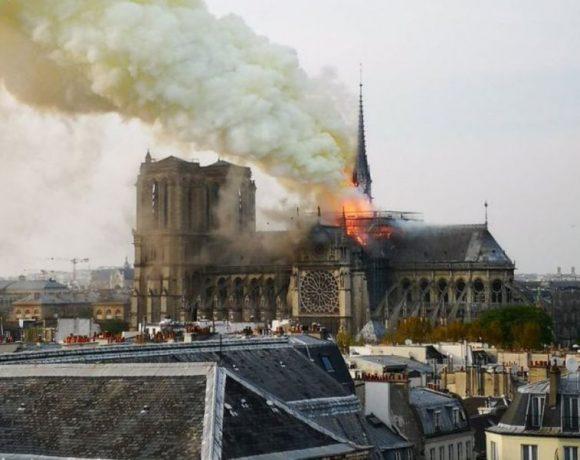 Incendiu la Catedrala Notre-Dame din Paris