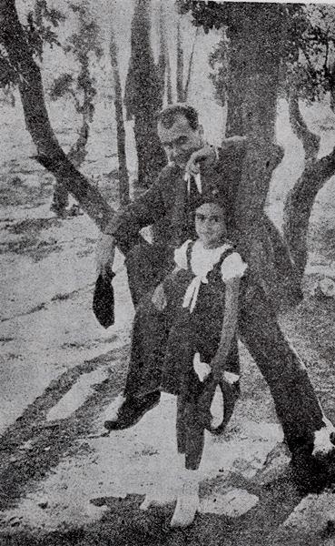 Lucian Blaga și fiica lui, Dorli, în Portugalia, unde poetul a lucrat ca atașat de presă la Legația Română și unde s-a născut fiica lui, în 2 mai 1930