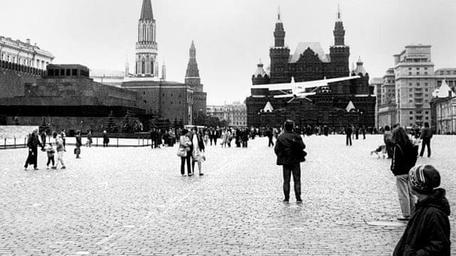 Un avion pilotat de un tânăr de 18 ani ateriza în Moscova, în apropiere de Piața Roșie, în 29 mai 1987 | Sursa: The Guardian