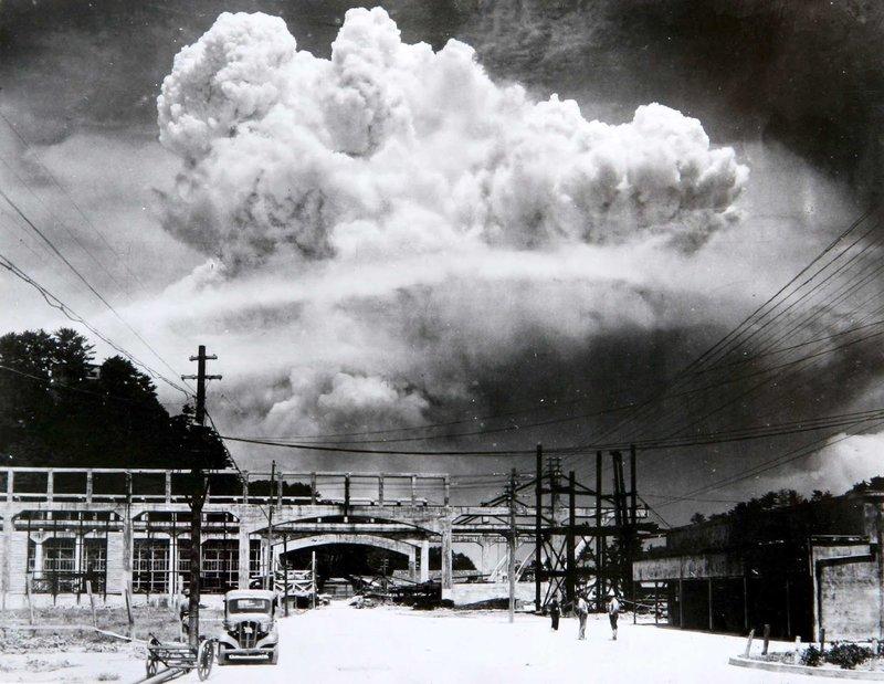 Nagasaki, 9 august 1945, la câteva minute după explozia bombei atomice | Sursa: Rare Historical Photos
