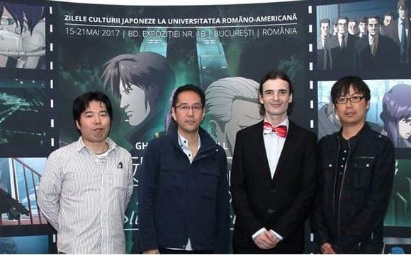 De la stânga la dreapta, Ryo Higaki, unul dintre scenariștii seriei Ghost in the Shell, Kenji Kamiyama, regizorul Ghost in the Shell, Stand alone complex, și cel ce va realiza următoarea serie GITS pt Netflix, Șerban Georgescu, coordonatorul CSRJ-AH, și Yoshiki Sakurai, producator la Netflix | Sursă: Band Camp @ Zilele Culturii Japoneze