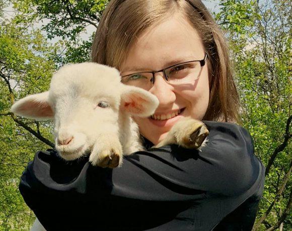 Andreea-Bianca Grijac, dădacă pentru animale