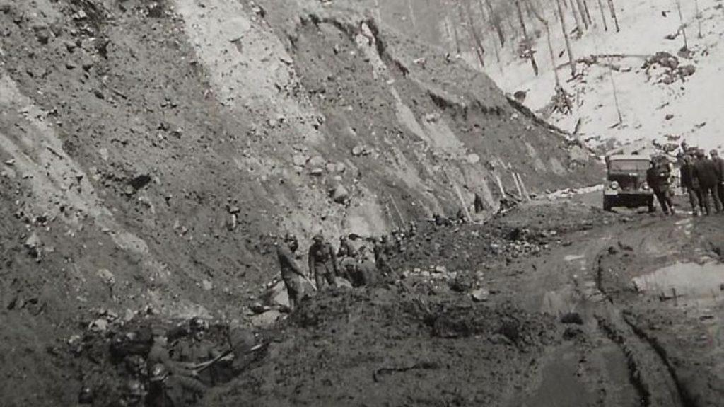 Transfăgărășan, în perioada când se construia | Sursa: Historia