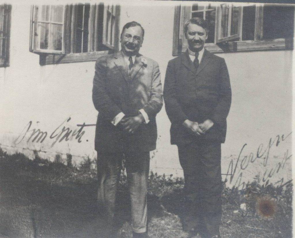 Dimitrie Gusti și Fr. I. Rainer în satul Nereju; Sursa: Revista de Antropologie Urbană
