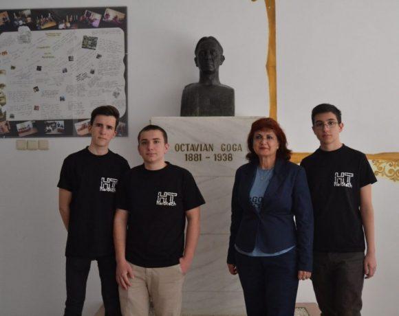 Trei elevi români ajung în finală la Olimpiada Geniilor din SUA