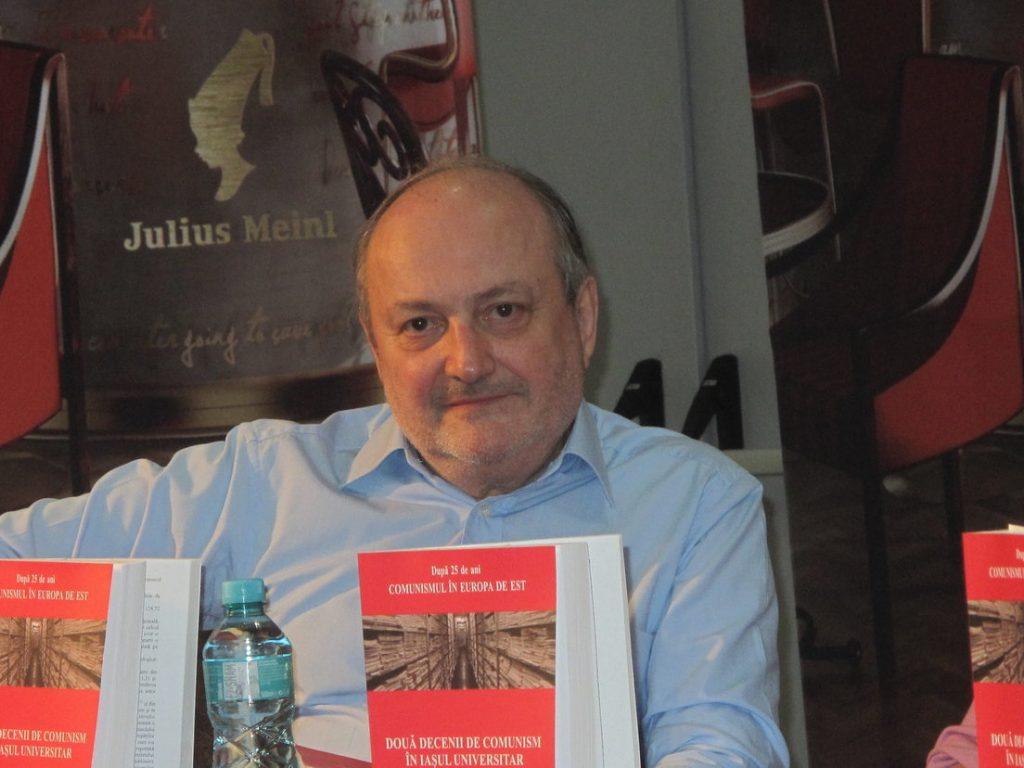Profesorul Doru Tompea, făcător de presă și destine