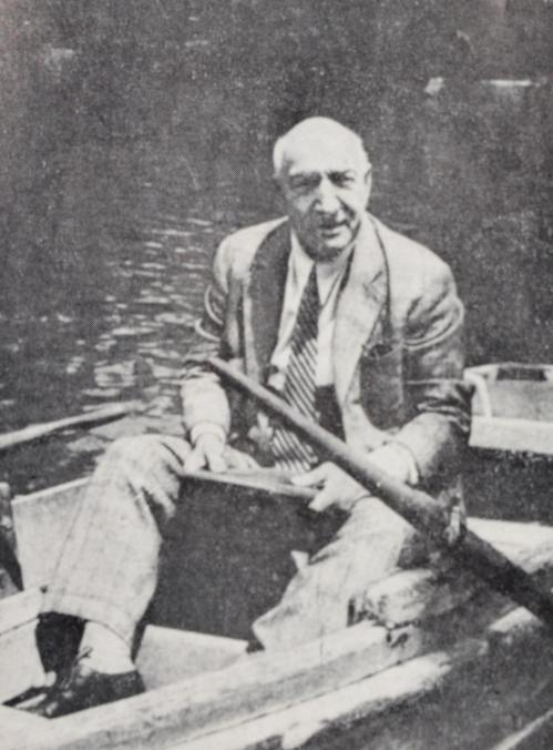 Ultima fotografie a lui Constantin Tănase – în Grădina Cișmigiu, București, iulie 1945