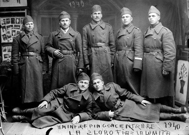 Militari, 1940 | Fotografie: Costică Acsinte