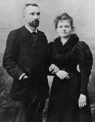Fotografia de la nunta lui Pierre Curie cu Marie, 1895; Curie Museum, Sursa: Neurosurgical Focus