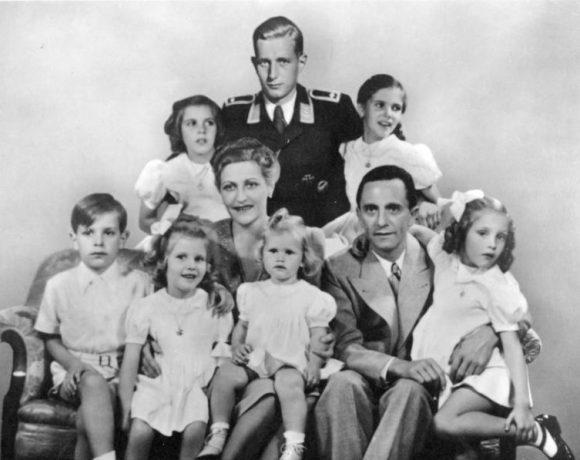 Foto Cover - Goebbels