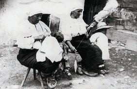Femei din Drăguș, 1929 | Fotografie: Iosif Berman