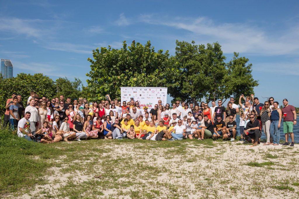 Moldovenii, reuniți la Mămăliga de Aur