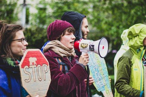 Tineri, preocupați de mediu
