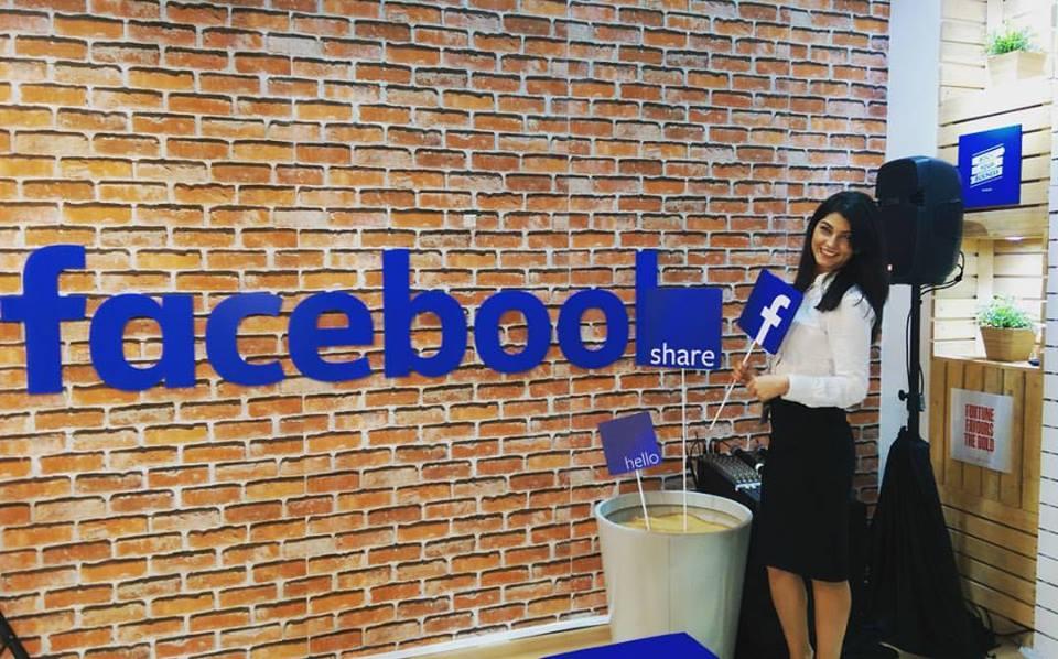 Andreea, la sediul Facebook din Emiratele Arabe Unite