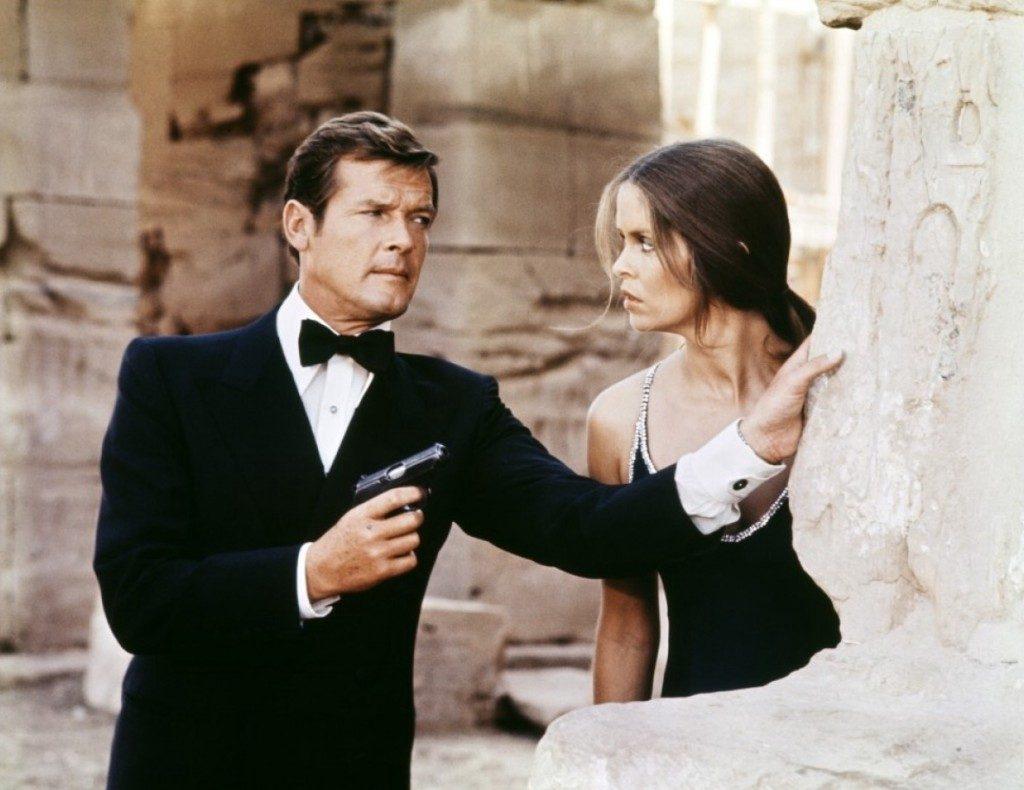 Roger Moore în rolul James Bond | Sursa: classiq