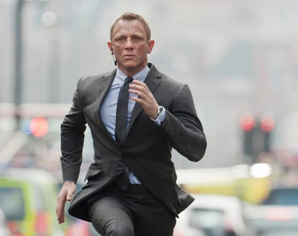 Daniel Craig în rolul James Bond   Sursa: Moviefone