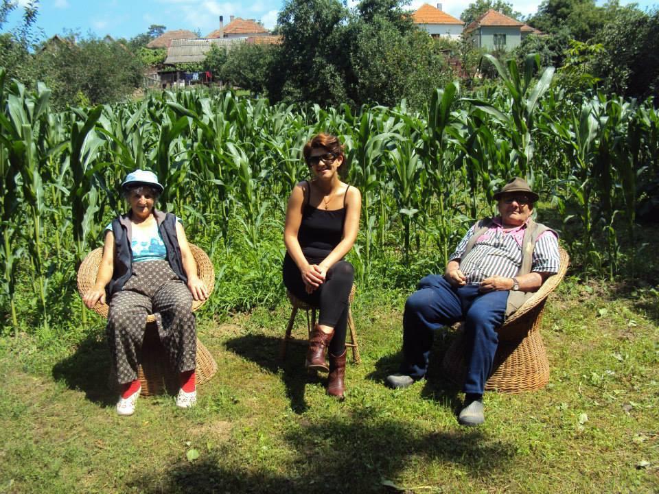 În grădină, cu părinții