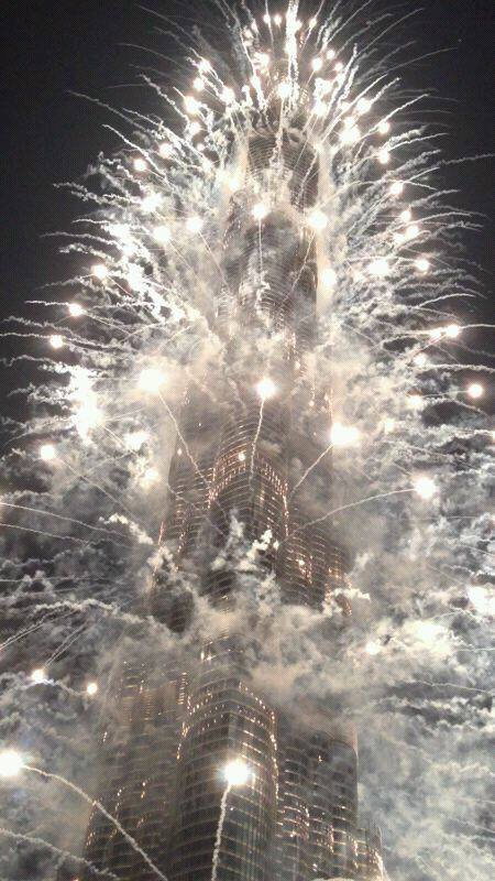 NYE fireworks on Burj Khalifa