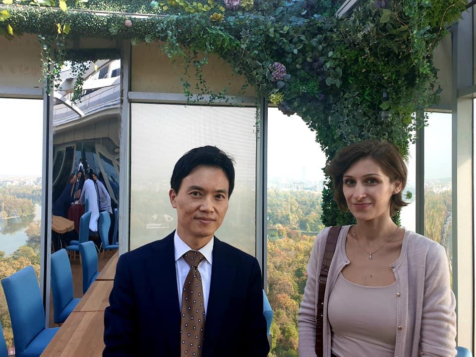 Diana Peca, alături de Joohan Ryoo de la Hanyang University