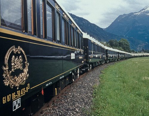Trenul privat pus în circulație pe vechea rută Orient Express | Sursa: Great rail