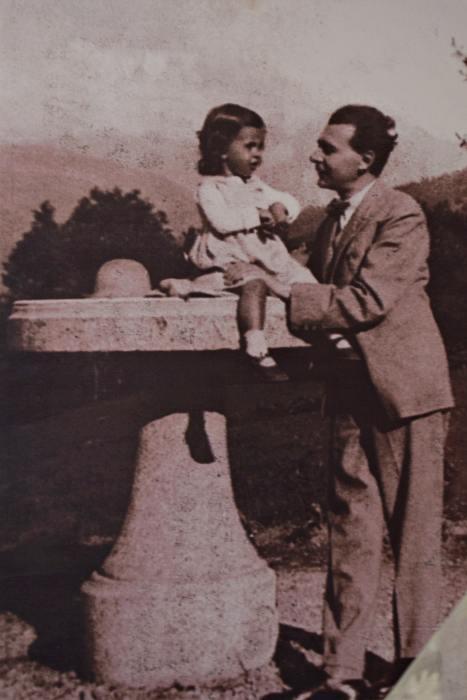 Lucian Blaga împreună cu fiica lui | Credit imagine: Mira Kaliani