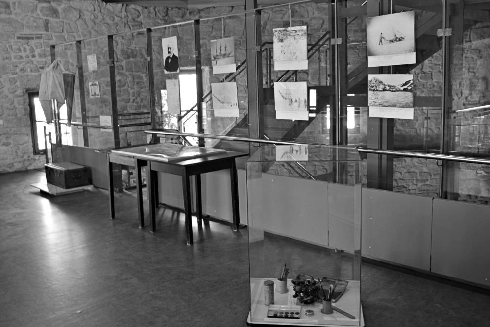 Expoziția de la Centrul de cultură urbană – Bastionul Croitorilor din Cluj-Napoca | Credit foto: Mira Kaliani