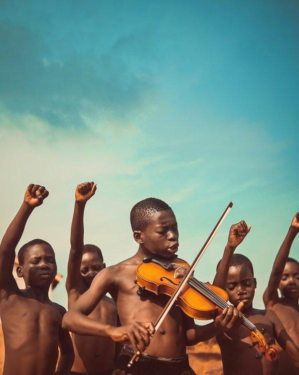 """""""Cântecele libertății"""" a câștigat competiția din 2019, iar fotograful Michael Aboya a fost răsplătit cu 25.000 de dolari / AGORA Images"""