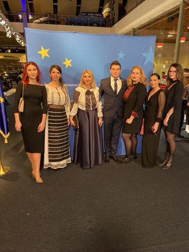 Daiana, bucuroasă să facă parte din comunitatea românilor care fac cinste României