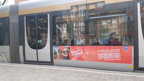 Fața Daianei a apărut pe mijloacele de transport din Belgia