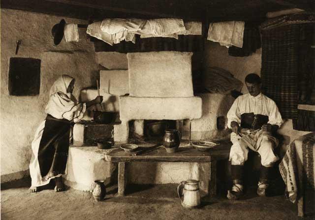 La vatră, România anilor '30 | Fotografie de Kurt Hielscher
