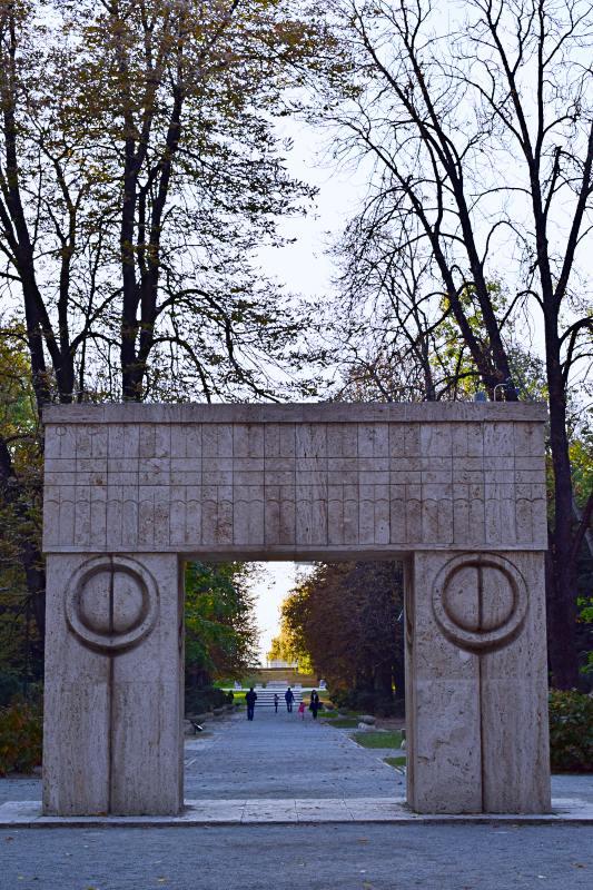 Poarta sărutului, Constantin Brâncuși – Târgu Jiu, Gorj | Credit foto: Mira Kaliani