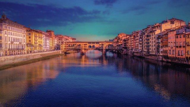 Ponte Vecchio, Florența, Italia   Sursa foto: Walkerssk / Pixabay