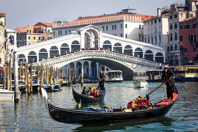 Ponte di Rialto, Veneția, Italia   Sursa foto: Ruth Archer / Pixabay