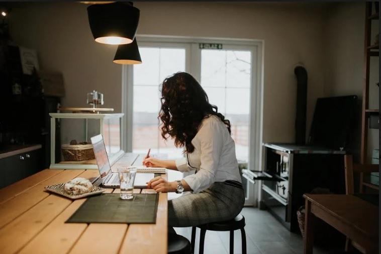 idei în funcție de muncă de acasă)