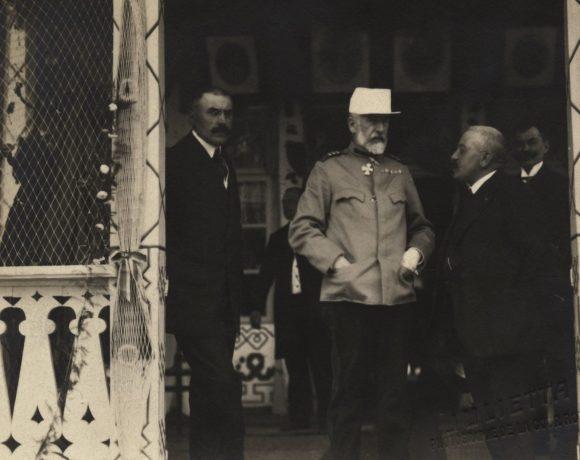 Regele Carol I alături de Dr. Grigore Antipa la Șerbanu, Balta Brăilei, mai 1914