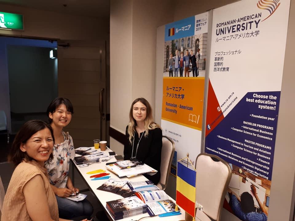 Standul Universității Româno-Americane la Târgul EHEF din Japonia