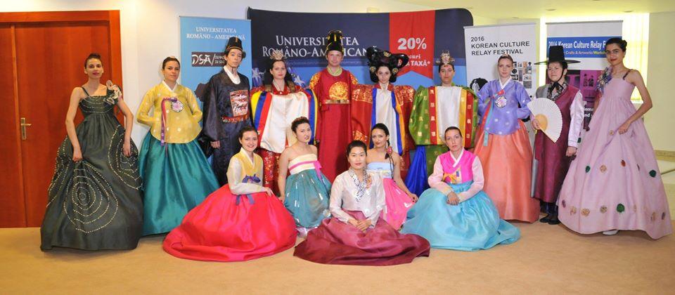 Paradă de Costume tradiționale coreene (realizată în parteneriat cu Ambasada Coreei)